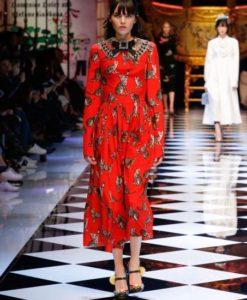 dolce-and-gabbana-fall-winter-2016-17-women-fashion-show-runway-24-453x680