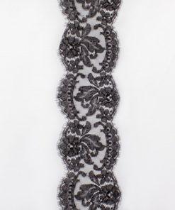 Тонкое узкое кружево шантильи черного цвета