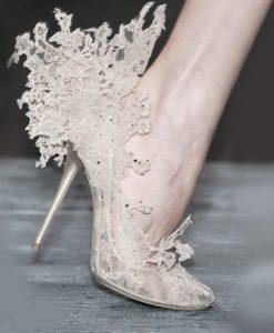 Кружево на туфлях