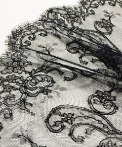 французское кружево шантильи Oriental-Tollitto Noir