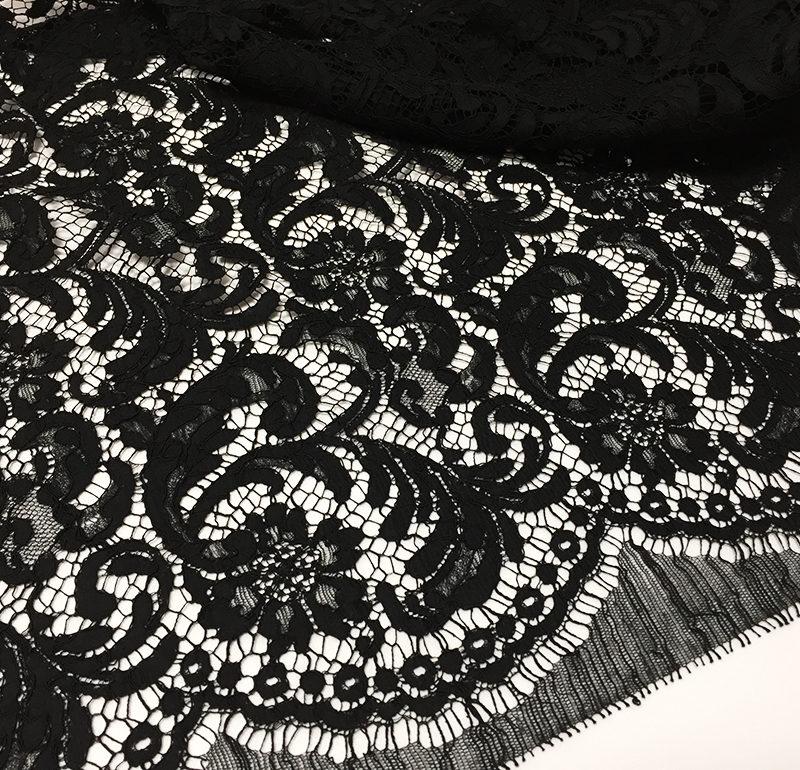 Кружево Prada - белый пудровый серый-перламутр черный