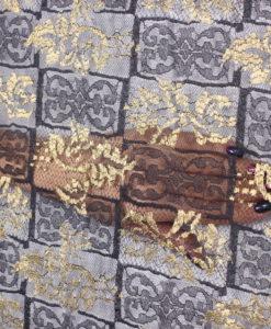 Кружево с золотой вышивкой