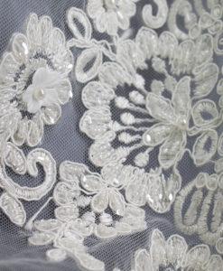 Вышивка на сетке свадебная 3 D